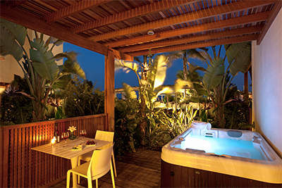 Private terrace with outdoor heated whirlpool jets for 2